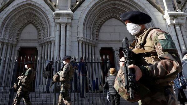 French soldiers patrol near the Notre Dame church the day after a deadly knife attack in Nice, France, October 30, 2020 - Sputnik International