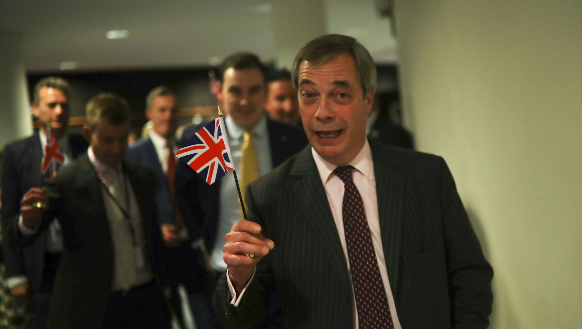 British European Parliament member Nigel Farage leaves the hemicycle after addressing European lawmakers during the plenary session at the European Parliament in Brussels, Wednesday, Jan. 29, 2020 - Sputnik International, 1920, 07.03.2021