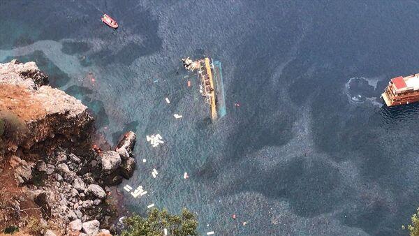 Tourist Boat Capsizes in Turkey - Sputnik International