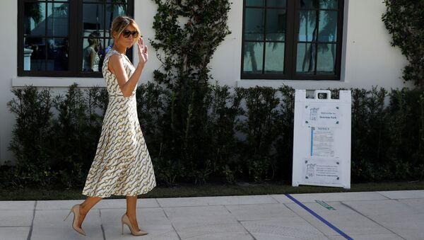 U.S. first lady Melania Trump arrives to cast her vote during the 2020 presidential election at Morton and Barbara Mandel Recreation Center in Palm Beach, Florida, U.S., November 3, 2020. - Sputnik International