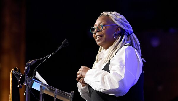 NEW YORK, NEW YORK - JANUARY 08: Whoopi Goldberg speaks onstage during The National Board of Review Annual Awards Gala at Cipriani 42nd Street on January 08, 2020 in New York City - Sputnik International