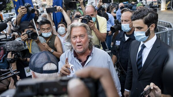 President Donald Trump's former chief strategist Steve Bannon leaves federal court, Thursday, Aug. 20, 2020, after pleading not guilty to charges that he ripped off donors to an online fundraising scheme to build a southern border wall. - Sputnik International
