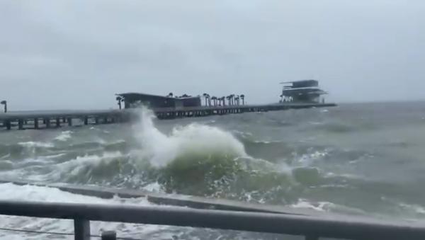 Tropical Storm Eta brings harsh weather to Florida's Gulf coast - Sputnik International