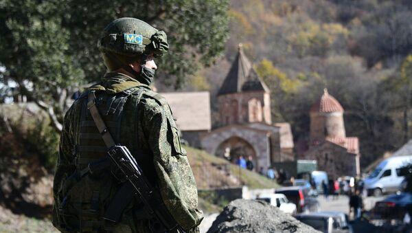 Russian peacekeepers deployed in the Nagorno-Karabakh region - Sputnik International