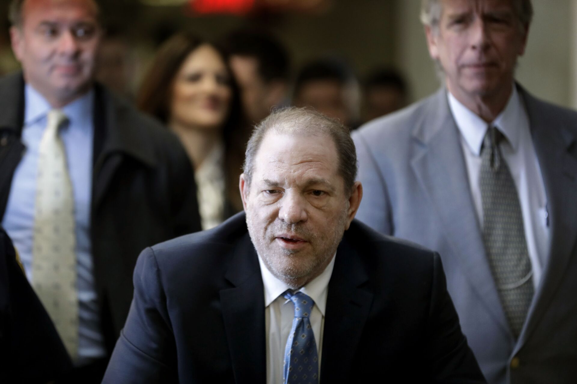 In this Feb. 24, 2020, file photo, Harvey Weinstein arrives at a Manhattan courthouse as jury deliberations continue in his rape trial in New York. The disgraced Hollywood film mogul and convicted rapist is asking a bankruptcy judge in Delaware to allow him to pursue arbitration in New York over what he claims is his wrongful termination from the company he co-founded. - Sputnik International, 1920, 28.09.2021