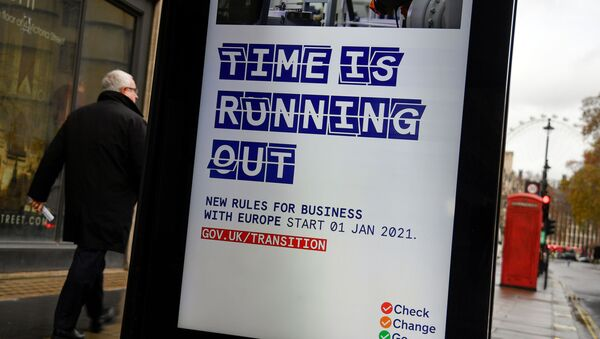 An electronic billboard displays a British government information message advising business to prepare for the Brexit, in London, Britain December 4, 2020. REUTERS/Toby Melville - Sputnik International
