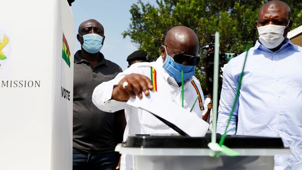 Ghana's President Nana Akufo-Addo casts his ballot at a polling station during presidential and parliamentary elections in Kyebi, Ghana December 7, 2020. - Sputnik International