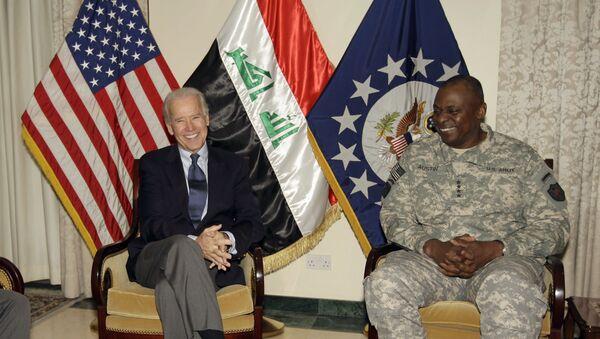 Joe Biden, left, is seen with Gen. Lloyd Austin, the top U.S. commander in Iraq, in Baghdad, Iraq, Tuesday, Nov. 29, 2011 - Sputnik International