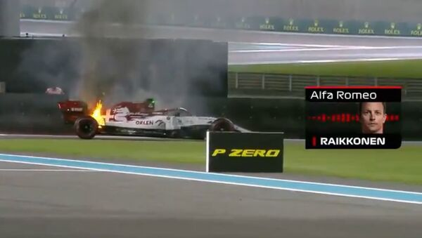 F1 Kimi Raikkonen's Car Catches Fire During Abu Dhabi GP Practice - Sputnik International