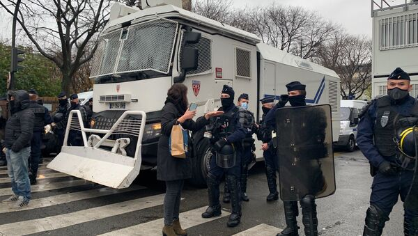 Une manifestation contre la loi Sécurité Globale à Paris, 12 décembre 2020 - Sputnik International
