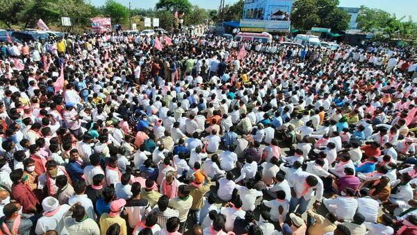 Protesting Farmers in India - Sputnik International