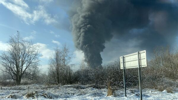 A photo of the oil train derailment in Whatcom County, Washington, posted on Twitter on December 22, 2020 - Sputnik International