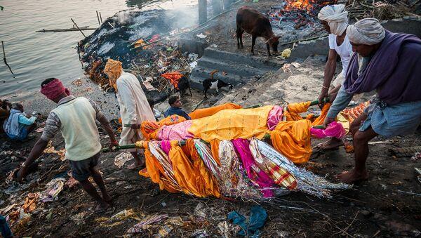 Funeral in India - Sputnik International