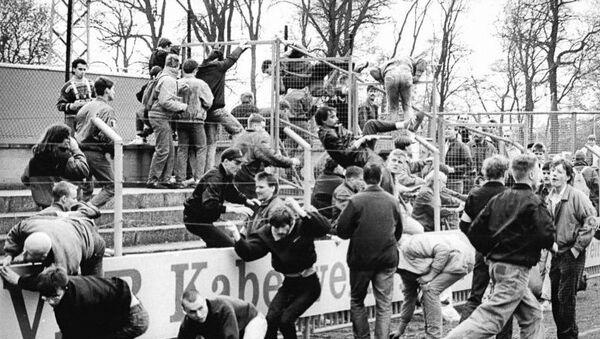 German football hooligans in 1990 - Sputnik International