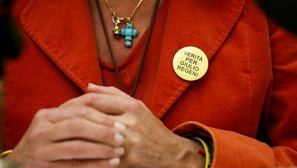 Lawyer Alessandra Ballerini wears a badge which says: The truth for Giulio Regeni - Sputnik International