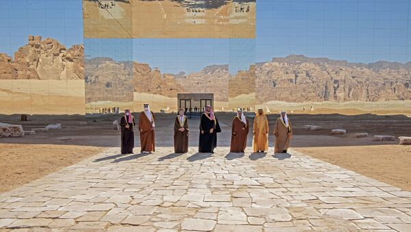 A handout picture provided by the Saudi Royal Palace on January 5, 2021, shows from L to R: Kuwaiti Emir Sheikh Nawaf al-Ahmad Al-Sabah, Emir of Qatar Tamim bin Hamad Al-Thani, Omani Deputy Prime Minister Fahd Bin Mahmud, Saudi Crown Prince Mohammed bin Salman, Bahrain's Crown Prince Salman bin Hamad Al-Khalifa, Dubai's Ruler and UAE Vice President Sheikh Mohammed bin Rashid Al-Maktoum and Nayef al-Hajraf, secretary-general of the Gulf Cooperation Council (GCC) posing for a pictures before the opening session of the 41st Gulf Cooperation Council (GCC) summit in the northwestern Saudi city of al-Ula. - Saudi Arabia's Crown Prince Mohammed bin Salman said that the Gulf states had signed an agreement on regional solidarity and stability at a summit aimed at resolving a three-year embargo against Qatar.  - Sputnik International