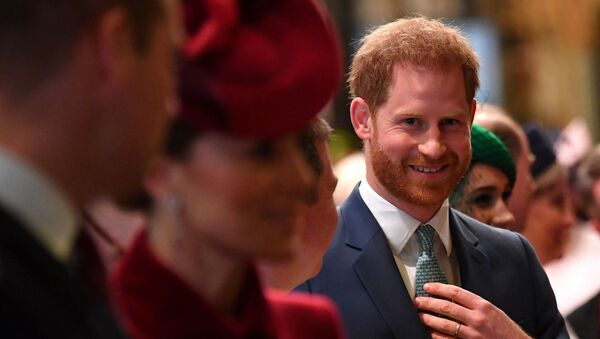 Britain's Prince Harry, Duke of Sussex (C) is introduced to performers as he leaves with Britain's Prince William, Duke of Cambridge (L) and Britain's Catherine, Duchess of Cambridge (2L) after attending  the annual Commonwealth Service at Westminster Abbey in London on 9 March 2020 - Sputnik International
