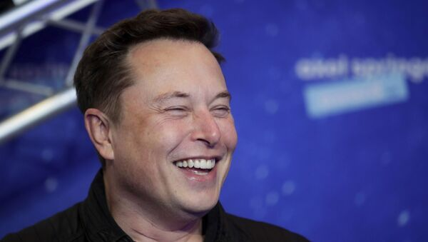 SpaceX owner and Tesla CEO Elon Musk arrives on the red carpet for the Axel Springer media award, in Berlin, Germany, Tuesday, Dec. 1, 2020. - Sputnik International