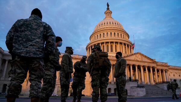 National Guard arrive at the U.S. Capitol at sunrise in Washington - Sputnik International