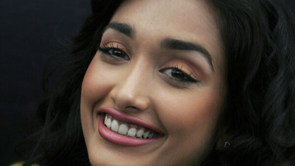 FILE - In this Dec. 19, 2008 file photo, Bollywood actress Jia Khan smiles during a promotional event of her forthcoming Hindi movie Ghajini in Bangalore, India. Police said the son of a Bollywood couple was arrested Monday, June 10, 2013 on suspicion of abetting the suicide of Khan.  - Sputnik International