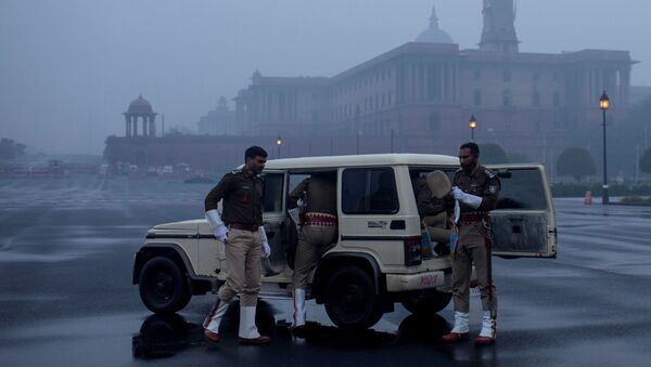India's Central Reserve Police Force personnel arrive to take part in the rehearsal for the Republic Day parade early morning in New Delhi, India, January 6, 2021 - Sputnik International