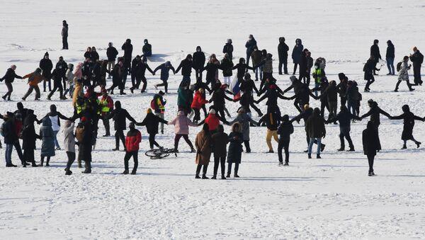 An unauthorised protest in support of jailed Russian opposition figure Alexei Navalny held in Vladivostok - Sputnik International
