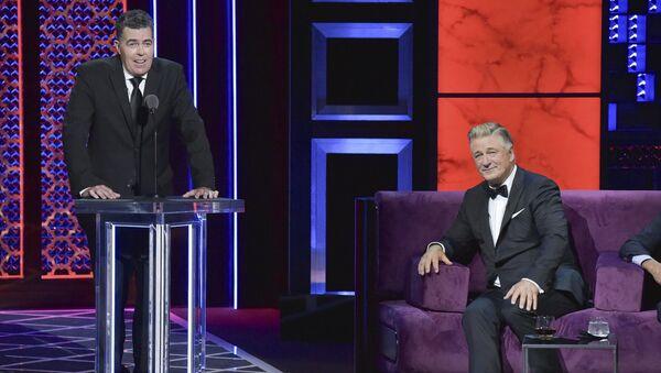 Adam Carolla, from left, Alec Baldwin participates in the Comedy Central roast of Alec Baldwin at the Saban Theatre on Saturday, Sept. 7, 2019 - Sputnik International