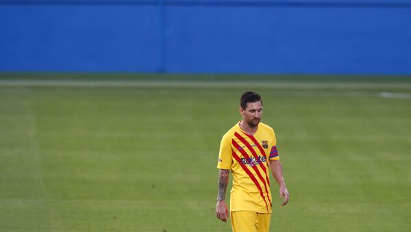 Barcelona's Lionel Messi leaves the field at half time during the pre-season friendly soccer match between Barcelona and Gimnastic at the Johan Cruyff Stadium in Barcelona, Spain, Saturday, Sept.12, 2020. - Sputnik International
