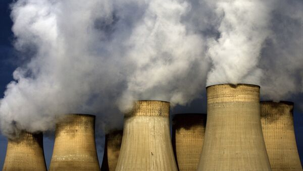A view of Ratcliffe-on-Soar power station, in Nottingham, England. Britain expects Friday, 21 April 2017 to be the first full day since the Industrial Revolution when it hasn't used coal to generate electricity.  (David Davies/PA via AP) - Sputnik International
