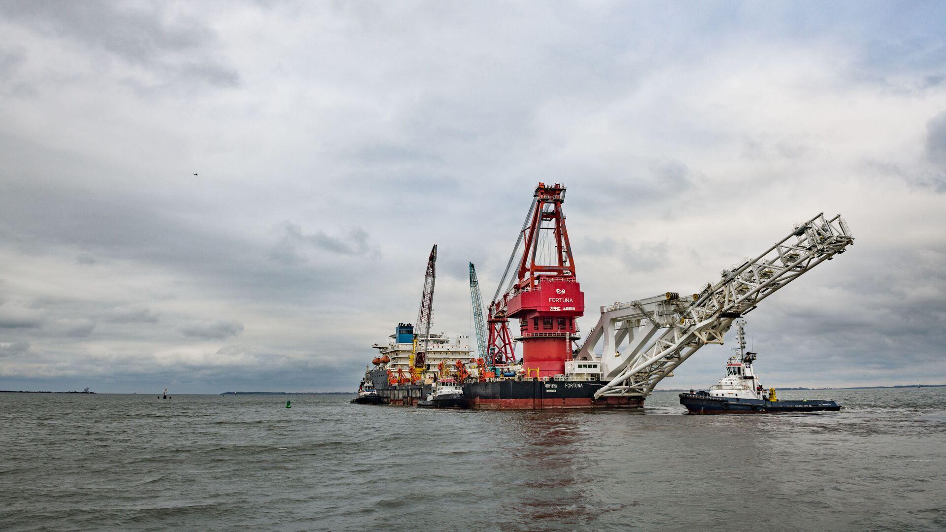 Pipe-laying vessel Fortuna leaves the port of Wismar - Sputnik International, 1920, 09.03.2021