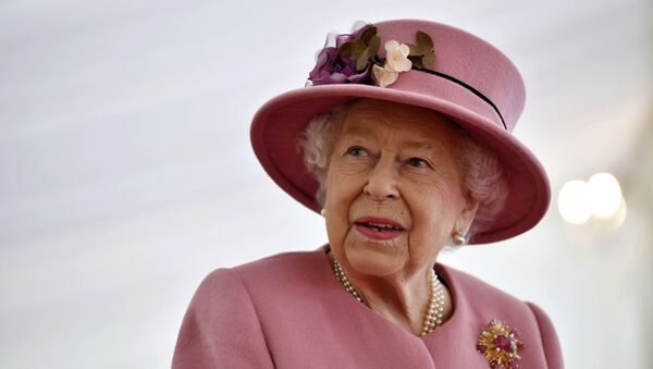 Britain's Queen Elizabeth II visits the Defence Science and Technology Laboratory (DSTL) at Porton Down, England, Thursday Oct. 15, 2020, to view the Energetics Enclosure and display of weaponry and tactics used in counter intelligence - Sputnik International