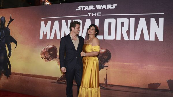 Pedro Pascal and Gina Carano attend the LA Premiere of The Mandalorian at the El Capitan Theatre on Wednesday, 13 November 2019 in Los Angeles. - Sputnik International