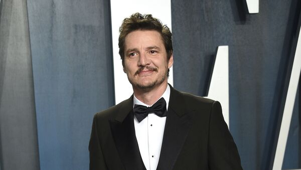 """FILE - Pedro Pascal arrives at the Vanity Fair Oscar Party on Feb. 9, 2020, in Beverly Hills, Calif. Pascal is having a big December, with the second season of the wildly popular Star Wars spinoff """"The Mandalorian"""" having just concluded on Disney Plus and a major role as the villain in """"Wonder Woman 1984,"""" which debuts in theaters and on HBO Max on Christmas Day.  - Sputnik International"""