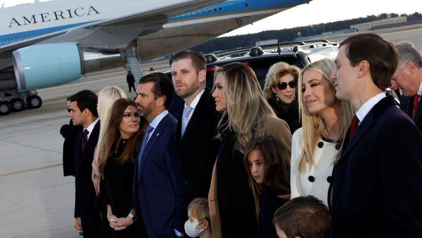 Tiffany Trump, Donald Trump Jr. and his girlfriend Kimberly Guilfoyle, Eric Trump with his wife Lara, and Ivanka Trump and Jared Kushner pose at Joint Base Andrews, Maryland, U.S., January 20, 2021 - Sputnik International