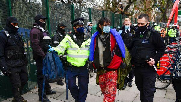 Extinction Rebellion activists protest against the HS2 high-speed railway in London - Sputnik International