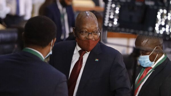 Former South African President Jacob Zuma (C) leaves the Commission of Inquiry into State Capture in Johannesburg during a break on November 16, 2020.  - Sputnik International