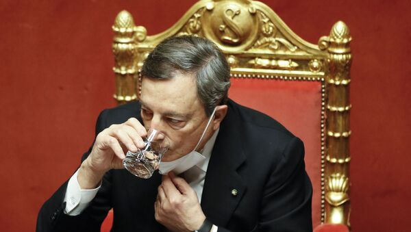 Italy's Prime Minister Mario Draghi drinks water during a debate at the Senate on February 17, 2021 in Rome, before submitting his government to a vote of confidence. - Sputnik International
