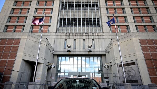 A car is seen in front of the Metropolitan Detention Center, (MDC) in Brooklyn, a United States federal administrative detention facility on July 14, 2020 in New York City. - Sputnik International