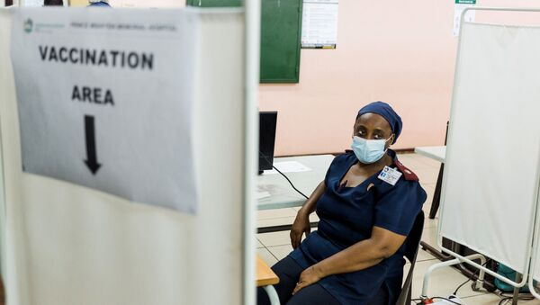 A nurse awaits to receive a dose of the Johnson & Johnson vaccine against the COVID-19 coronavirus as South Africa proceeds with its inoculation campaign at the Prince Mshiyeni Hospital in Umlazi, south of Durban on February 18, 2021. - Sputnik International