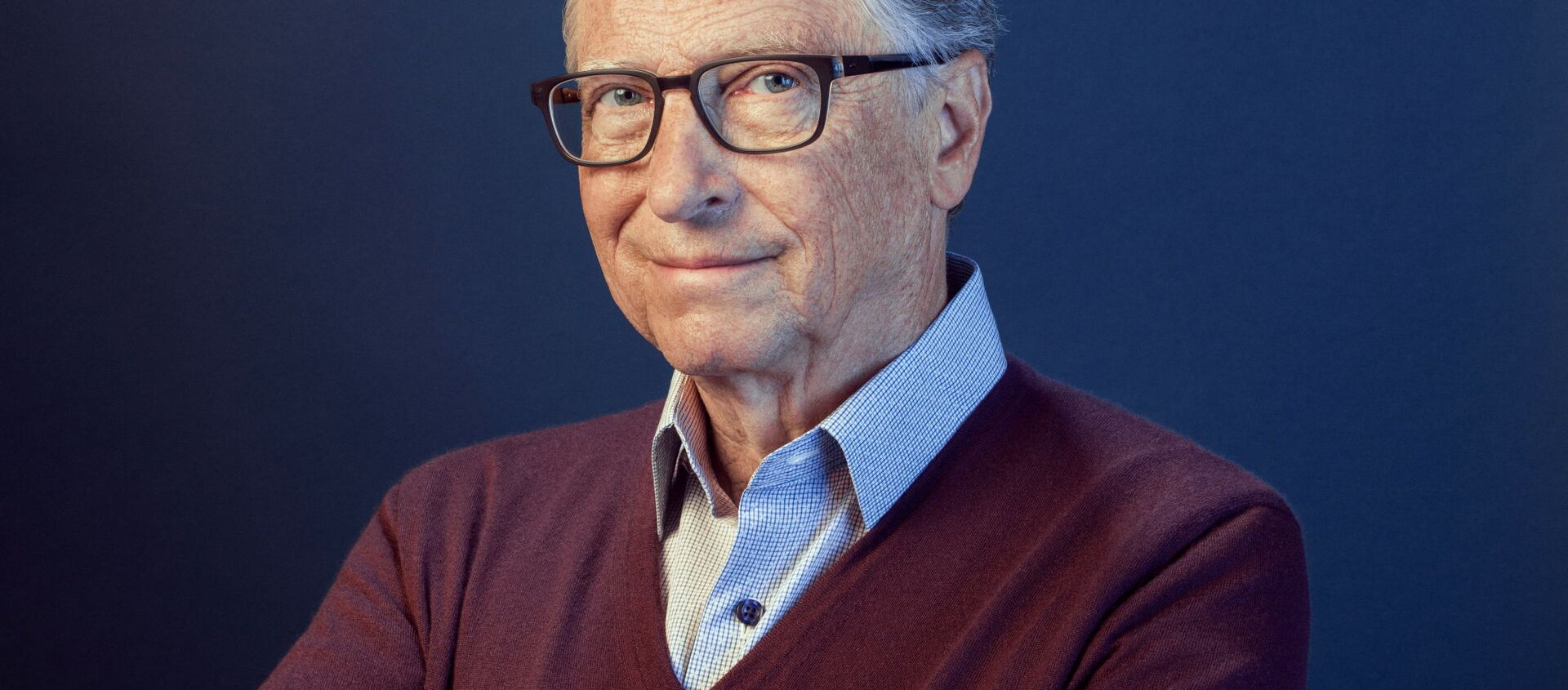 Bill Gates poses in this undated handout photo obtained by Reuters on February 15, 2021 - Sputnik International, 1920, 14.04.2021