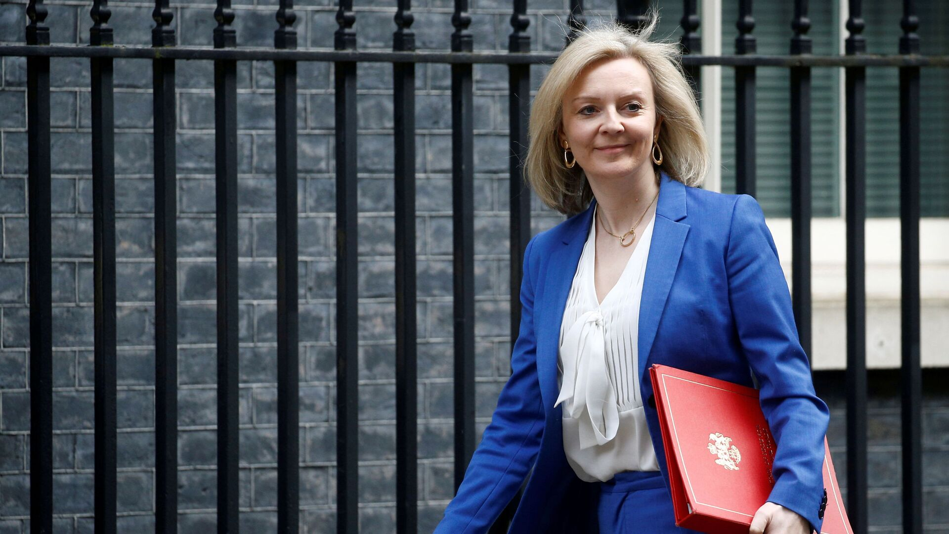 Britain's Secretary of State of International Trade and Minister for Women and Equalities Liz Truss is seen outside Downing Street, in London, Britain March 17, 2020. - Sputnik International, 1920, 19.09.2021