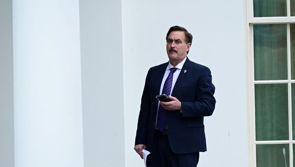 FILE PHOTO: Mike Lindell, CEO of My Pillow, stands outside the West Wing of the White House in Washington - Sputnik International