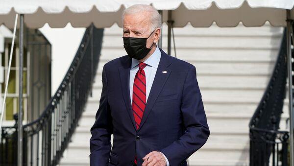 U.S. President Joe Biden stops to speak to the media as he departs for Wilmington, Delaware, from White House in Washington, U.S., February 27, 2021. REUTERS/Joshua Roberts - Sputnik International