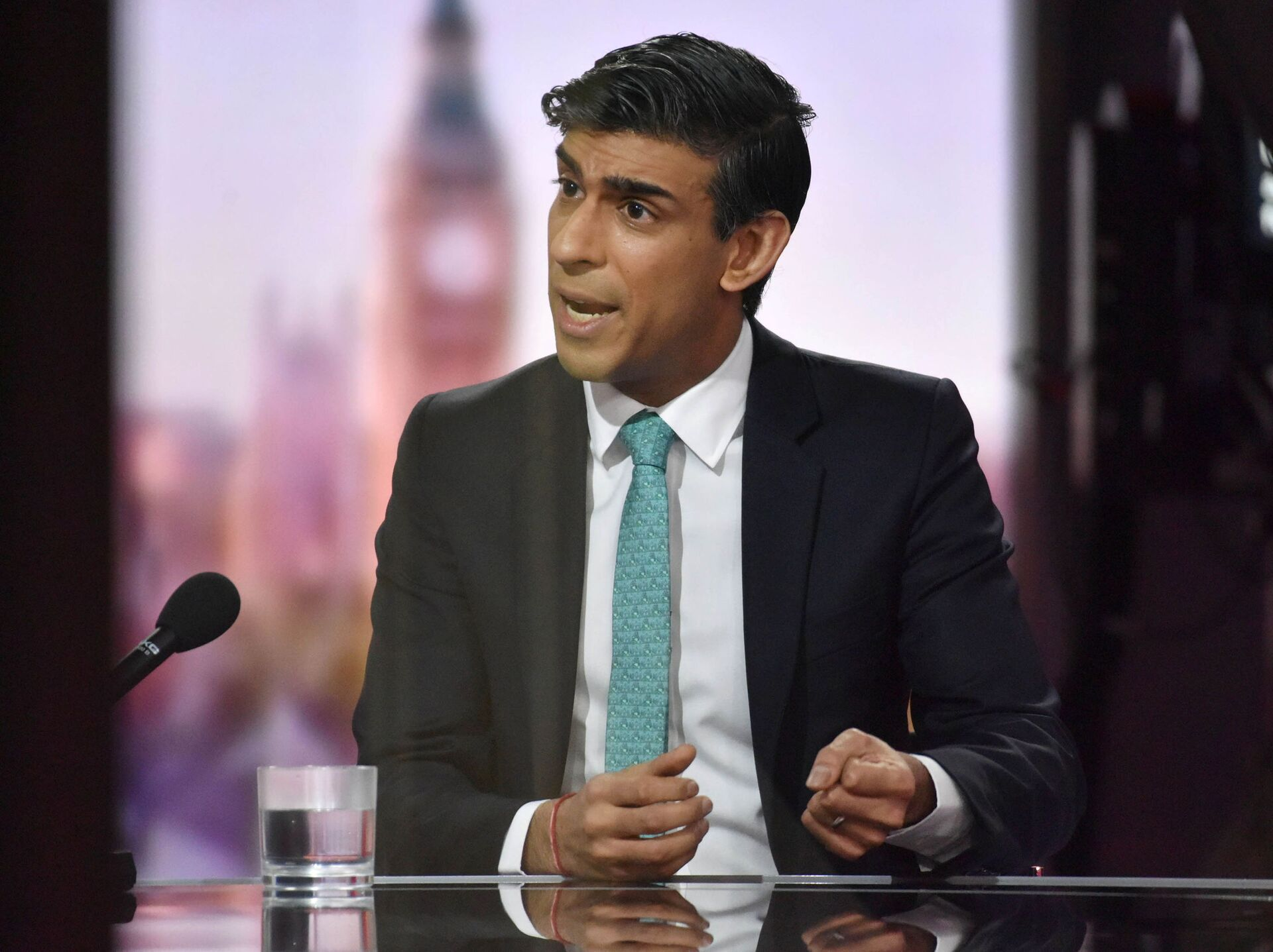Britain's Chancellor of the Exchequer Rishi Sunak speaks on BBC TV's The Andrew Marr Show - Sputnik International, 1920, 07.09.2021