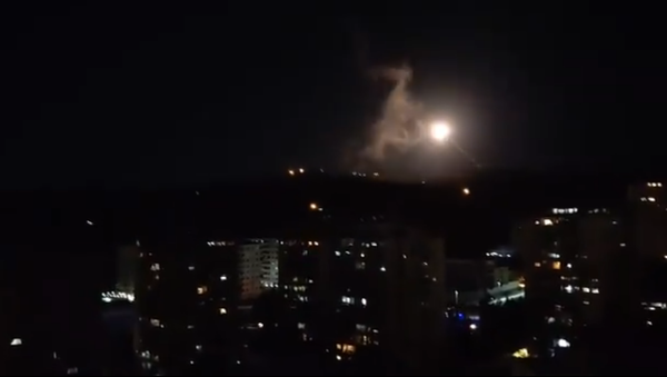 Screenshot from the video allegedly showing a rocket attack in the sky above the Syrian capital city of Damascus - Sputnik International