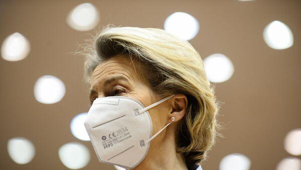 European Commission President Ursula Von Der Leyen looks on as she arrives at the European Parliament to explains the European Union's vaccine strategy to European Parliament, in Brussels, on February 10, 2021.  - Sputnik International