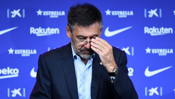 In this file photo taken on August 19, 2020 Barcelona's president Josep Maria Bartomeu attends the official presentation of new Dutch coach Ronald Koeman at the Camp Nou stadium in Barcelona on August 19, 2020. - Sputnik International