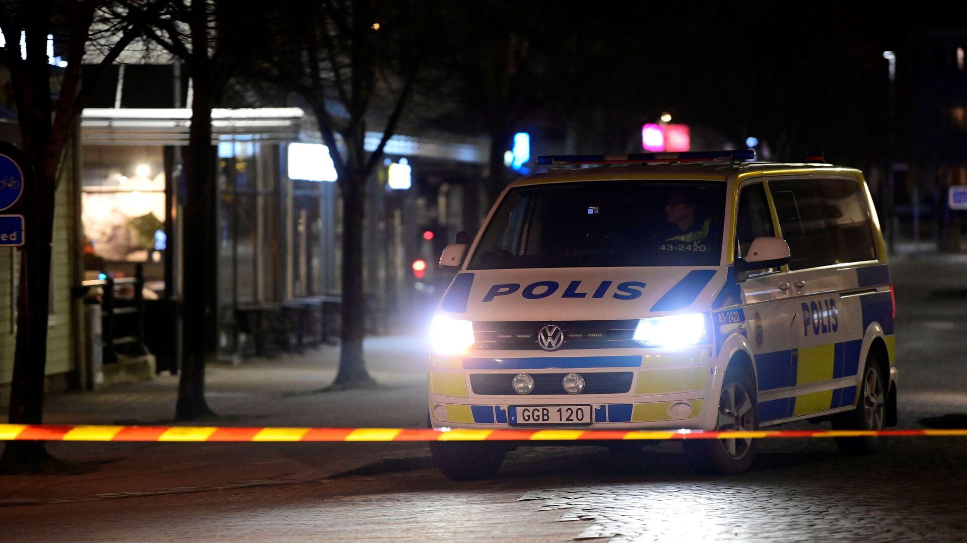Police work at a knife attack site in Vetlanda, Sweden March 3, 2021. - Sputnik International, 1920, 23.09.2021