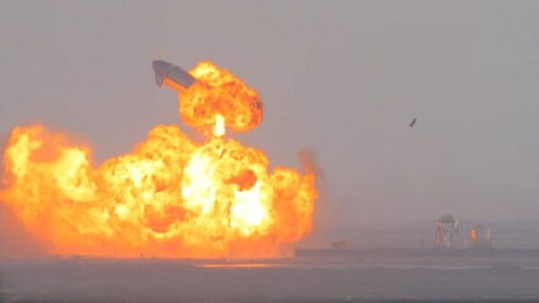 SpaceX Starship SN10 explodes after liftoff at South Padre Island, Texas, U.S. March 3, 2021 in this still image taken from a social media video - Sputnik International