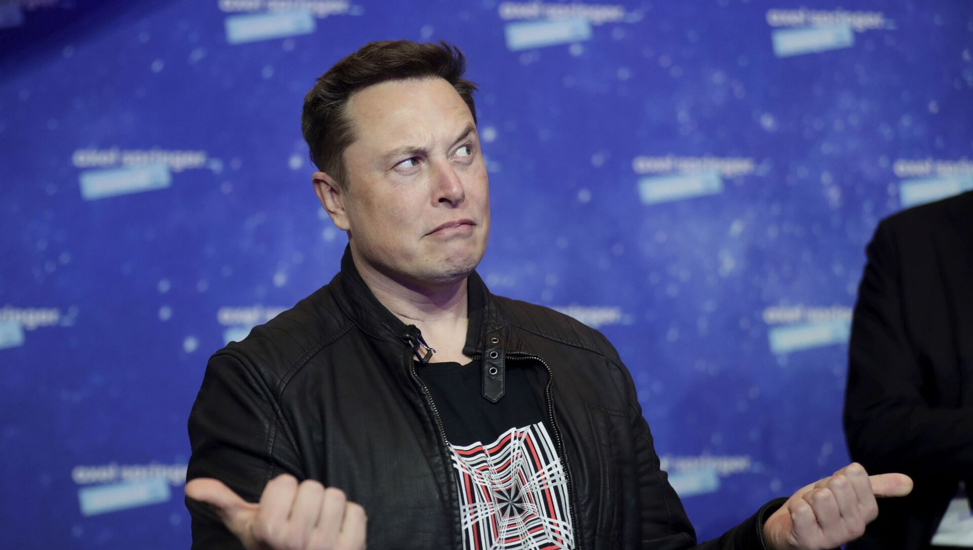 SpaceX owner and Tesla CEO Elon Musk arrives on the red carpet for the Axel Springer media award, in Berlin, Germany, Tuesday, 1 December 2020. - Sputnik International, 1920, 01.08.2021